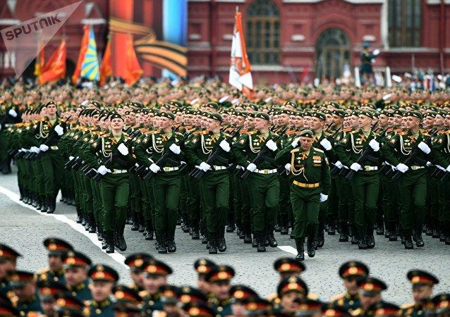 Desfilan las academias militares de Rusia