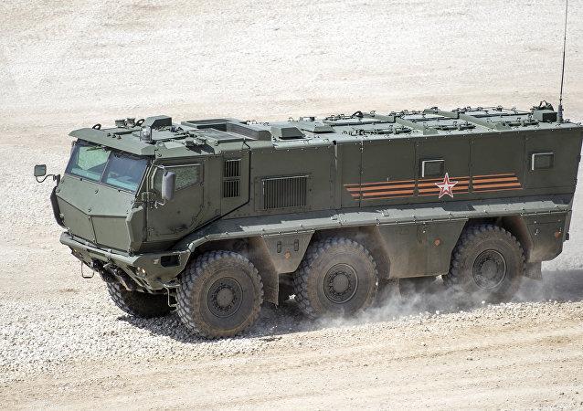 El carro blindado ruso Taifun-K durante una demostración