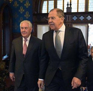 Rex Tillerson, secretario de Estado de EEUU, y Serguéi Lavrov, canciller ruso