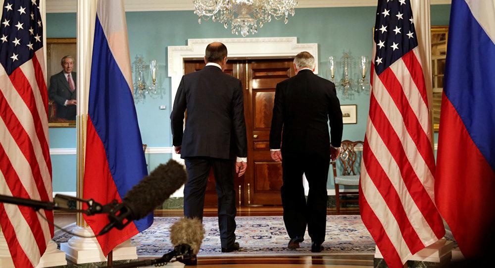 Serguéi Lavrov, ministro de Exteriores de Rusia, y Rex Tillerson, secretario de Estado de EEUU