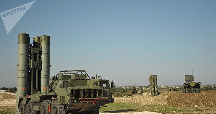 Sistemas de misiles antiaéreos S-400 (archivo)