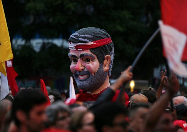 Simpatizantes de Lula en Curitiba