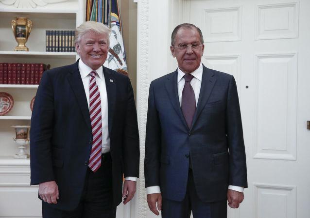 Las polémicas fotos rusas de la visita de Lavrov a EEUU