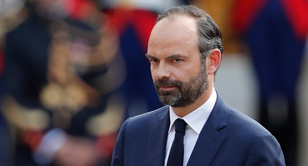 Macron presenta su primer gabinete formado por figuras de diversos partidos — Francia
