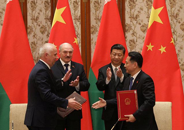 El encuentro del presidente bielorruso, Alexandr Lukashenko, con su homólogo chino, Xi Jinping