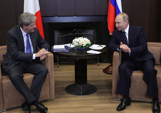 Paolo Gentiloni, primer ministro de Italia, y Vladímir Putin, presidente de Rusia