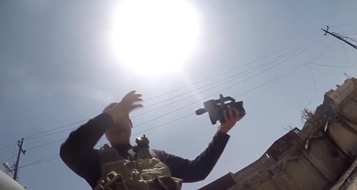 Las tropas iraquíes asaltan el casco antiguo de Mosul por tres frentes