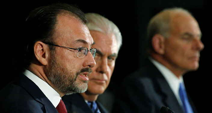 Urge Osorio Chong a actuar en seguridad y cooperación centroamericana