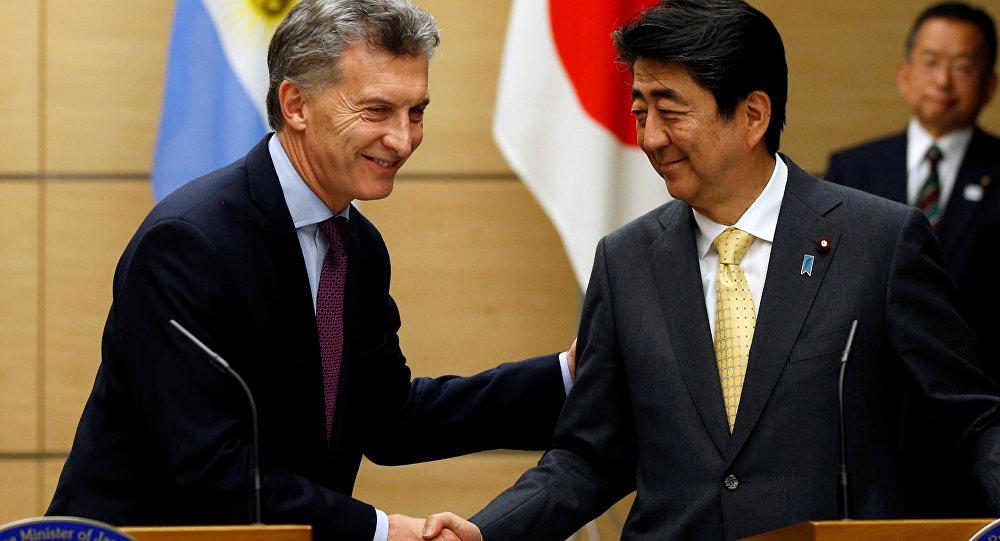 Mauricio Macri, presidente de Argentina y Shinzo Abe, primer ministro de Japón
