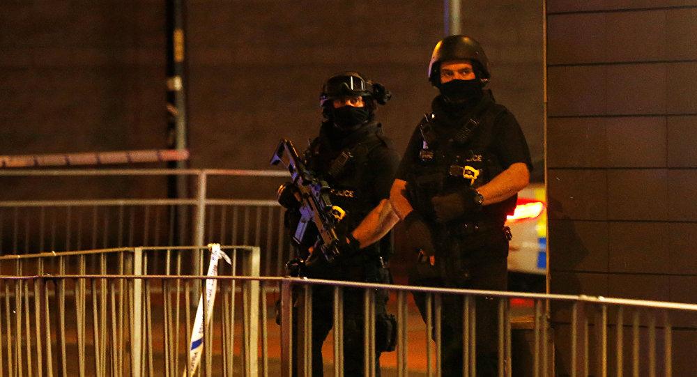 Policía cerca del Manchester Arena (archivo)