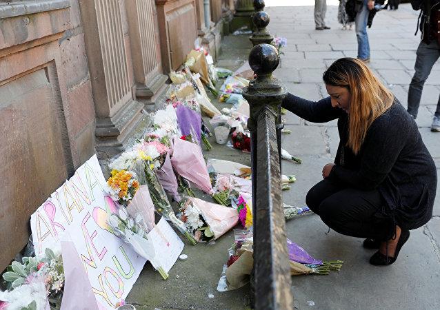 Flores en memoria de las víctimas del atentado de Mánchester (archivo)