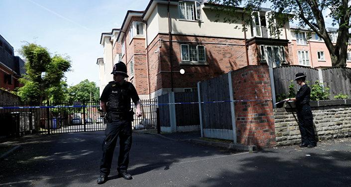 Policía de Manchester rodeando la casa de Salman Abedi, el presunto responsable del atentado