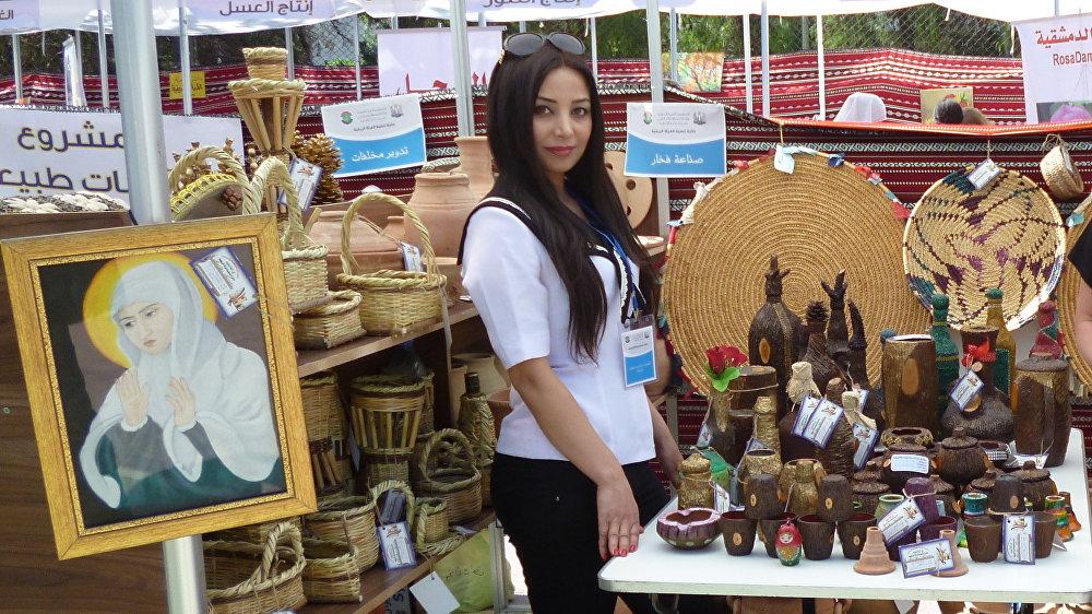 Susan Abadi espera que la guerra culmine prondo para que cada una de sus obras encuentren a su comprador.