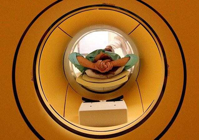 Tomografìa por resonancia magnética