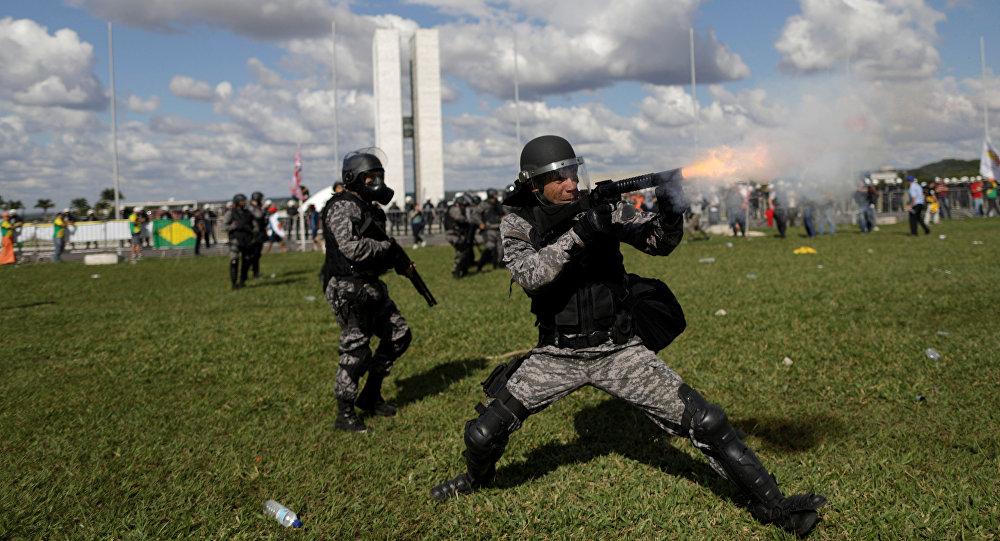 Policía de Brasil durante las protestas