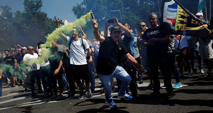 Taxistas protestando en Madrid, España