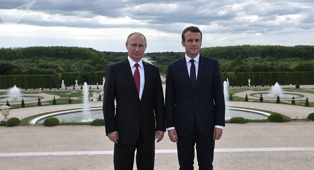 Vladímir Putin, presidente de Rusia, y Emmanuel Macron, presidente de Francia (archivo)