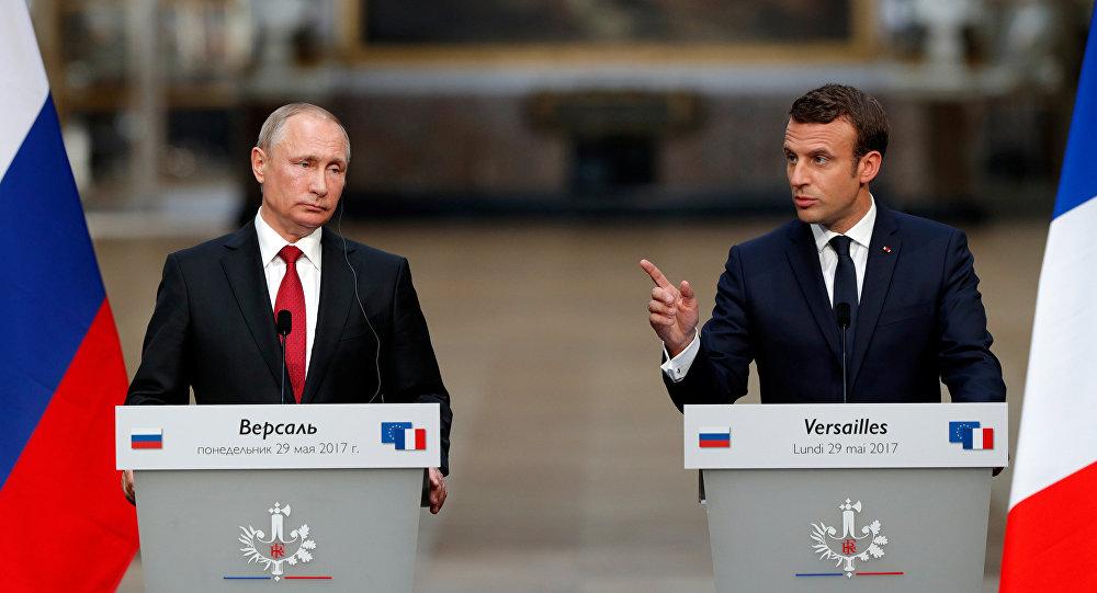 Vladímir Putin, el presidente ruso, y Emmanuel Macron, el presidente de Francia (archivo)