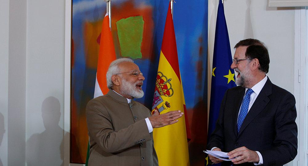 El presidente del Gobierno español, Mariano Rajoy y el primer ministro de la India, Narendra Modi