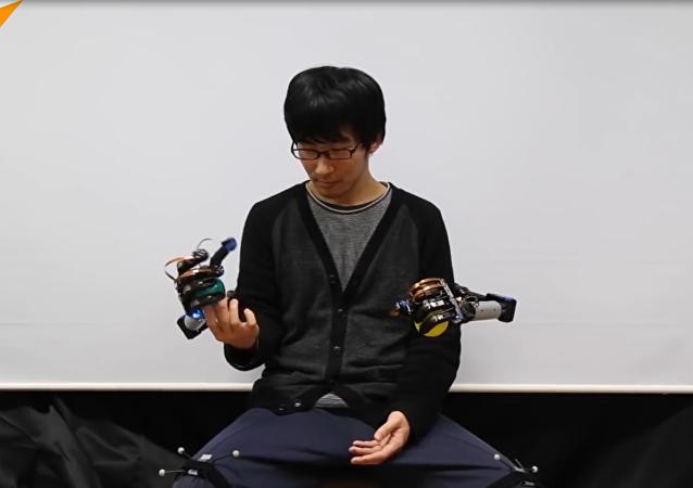 MetaLimbs, un par extra de manos robóticas