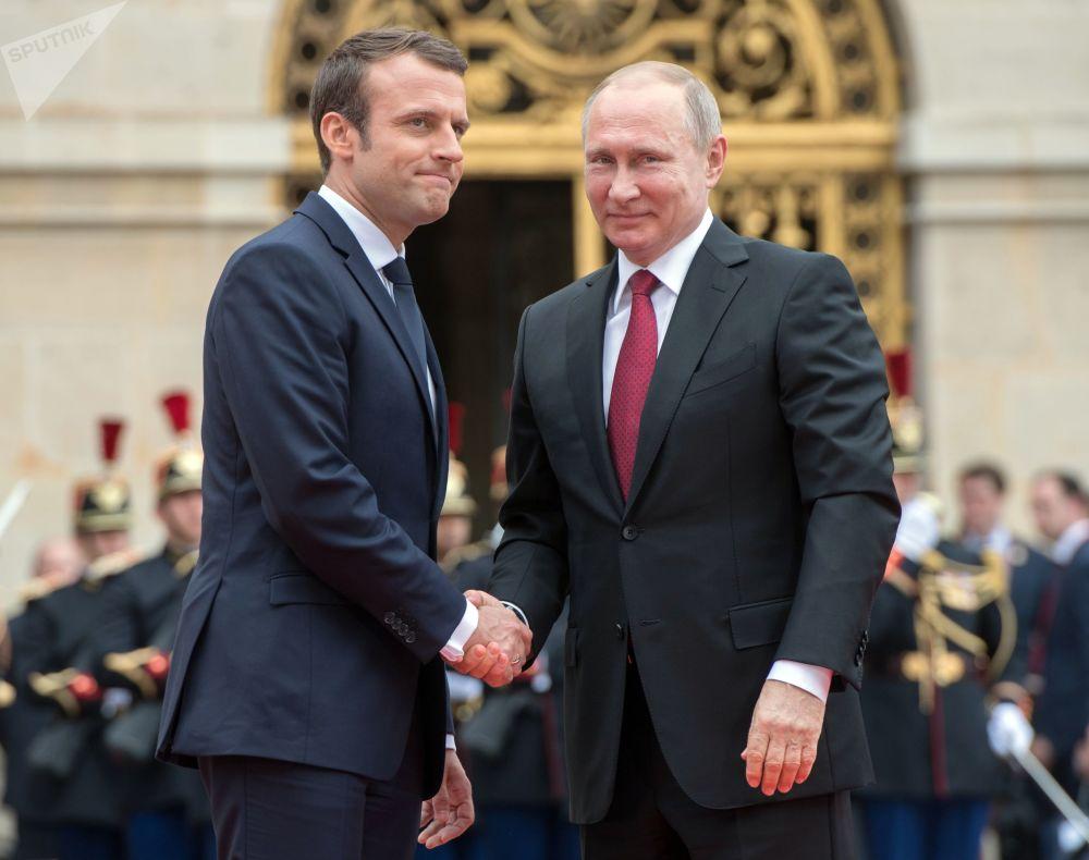 Los jefes de Rusia y Francia Vladímir Putin y Emmanuel Macron, durante la reunión en Versalles
