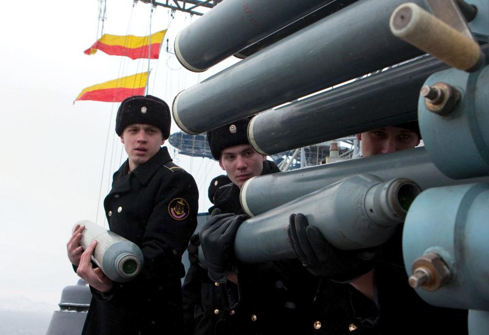 Los marineros del buque antisubmarino Almirante Kulakov, 2011
