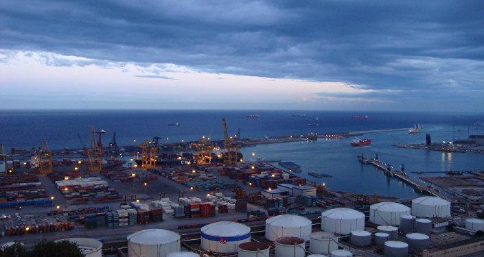 Huelga de estibadores en los puertos españoles desde el lunes