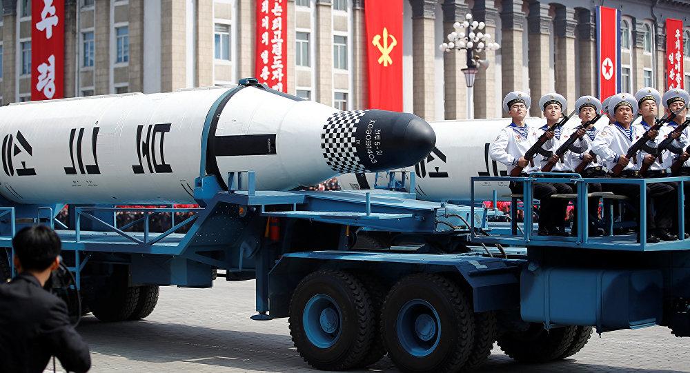 Misiles en las calles de Pyongyang (archivo)