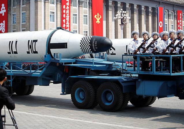 Misiles en las calles de Pyongyang