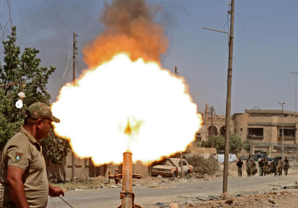 Los militares iraquíes asaltan un barrio en Mosul controlado por los yihadistas de Daesh —prohibido en Rusia y otros países—