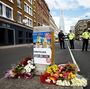 Las flores en homenaje a las víctimas del atentado en Londres