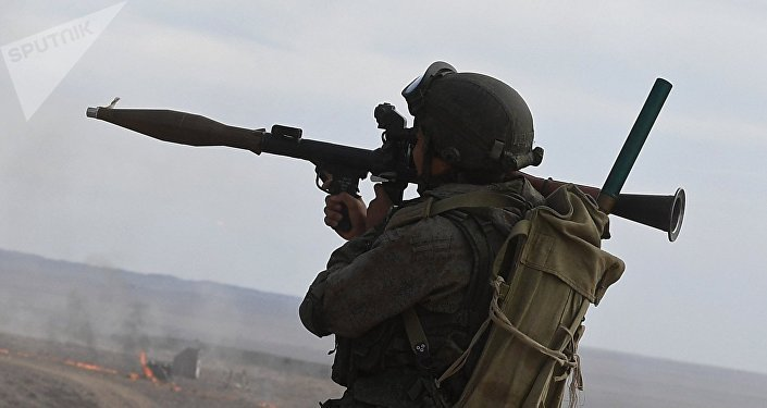 Militar ruso con RPG-7