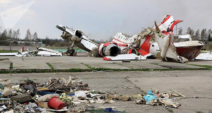Escombros del avión del presidente de Polonia Lech Kaczynski