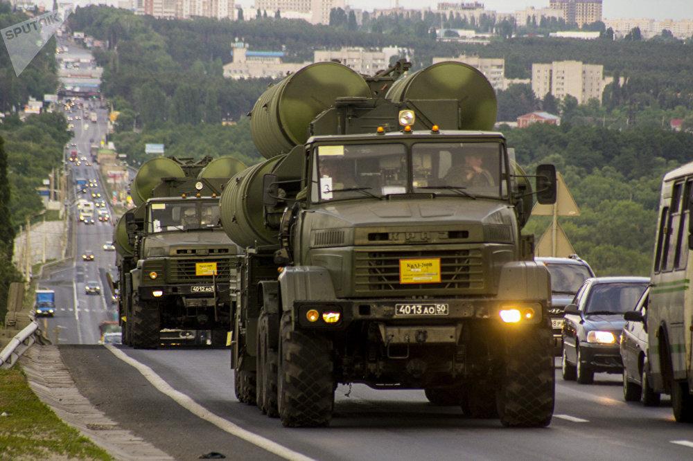 Los sistemas de misiles S-300 rusos, en plena acción