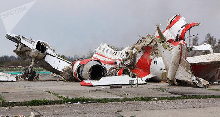 Escombros del avión del presidente de Polonia Lech Kaczynski (archivo)