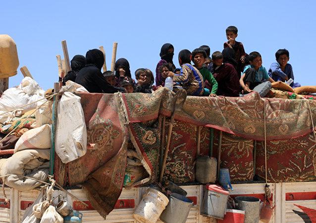 Los ciudadanos sirios huyendo de Al Raqa
