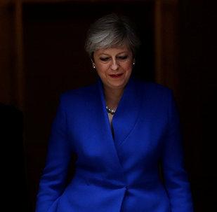 Theresa May opta por una tímida remodelación del Gabinete británico