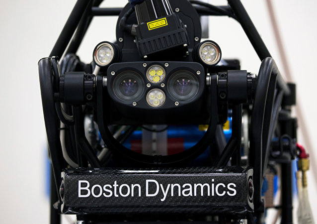 Un robot humanoide, Atlas, de la empresa Boston Dynamics