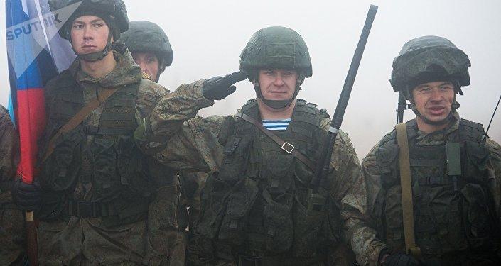 Soldados durante las maniobras conjuntas Hermandad Eslava 2016
