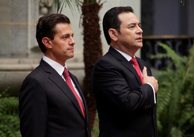 El presidente de Mexico Enrique Peña Nieto y el presidente de Guatemala Jimmy Morales
