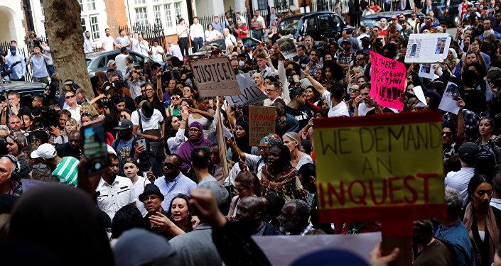 Manifestación en Kensington, Londres