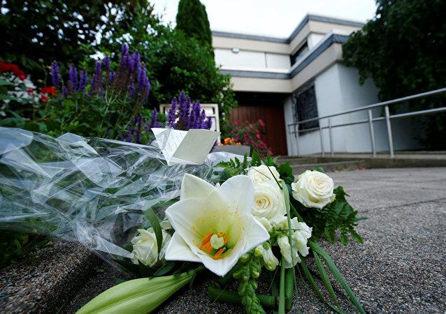 Las flores en homenaje del excanciller de Alemania, Helmut Kohl