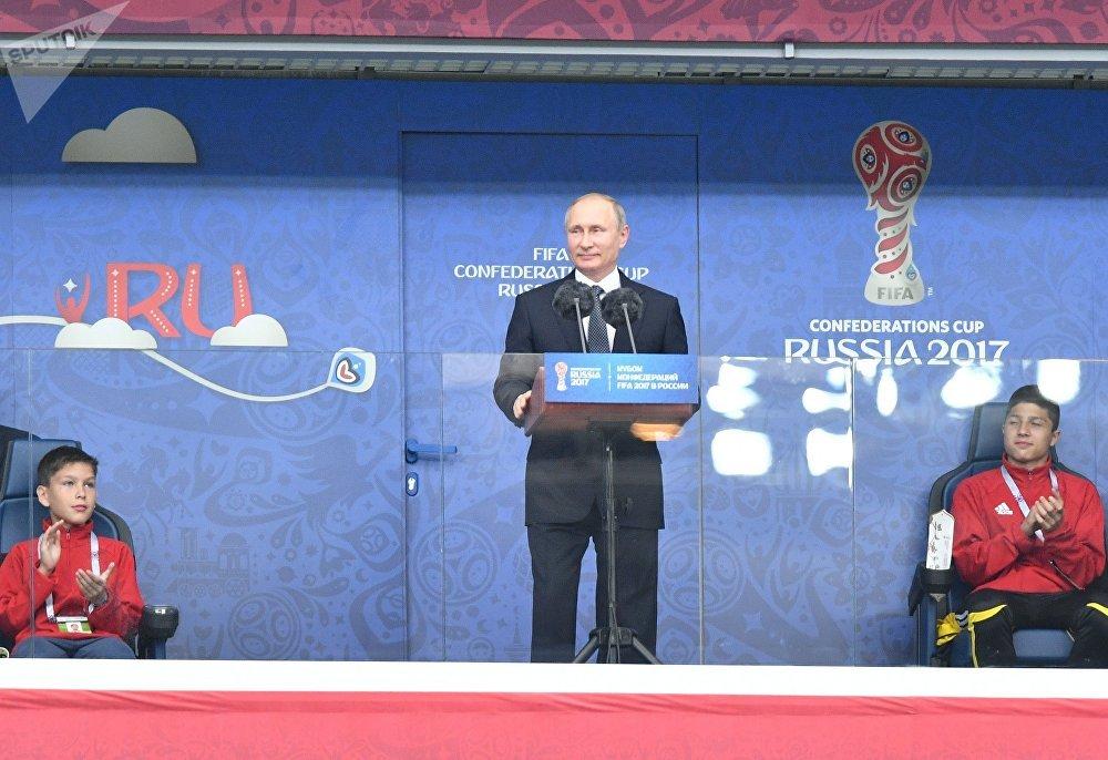 Vladímir Putin, presidente de Rusia, durante la ceremonia de apertura de la Copa Confederaciones