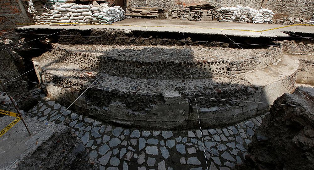 Arqueólogos hallan templo azteca en el medio de la Ciudad de México
