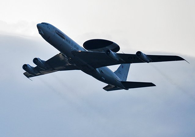 Boeing E-3A Sentry (imagen referencial)