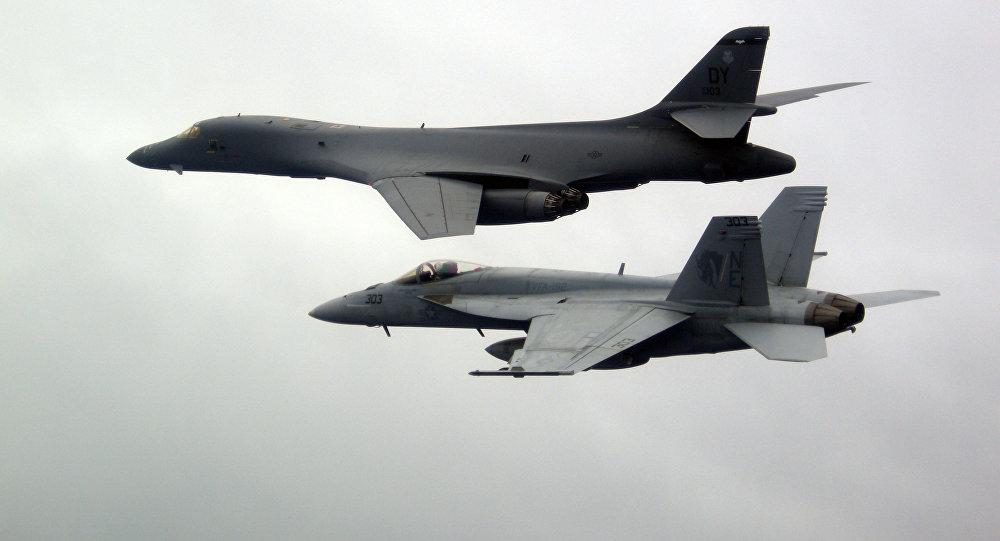 Bombarderos B-1B Lancer de EEUU simulan un ataque en Corea