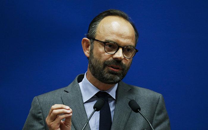 El primer ministro francés declara una moratoria a la subida de los precios de carburantes