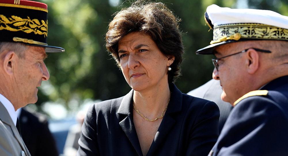 Dos ministros dejan el Gobierno francés cuando se investiga a su partido