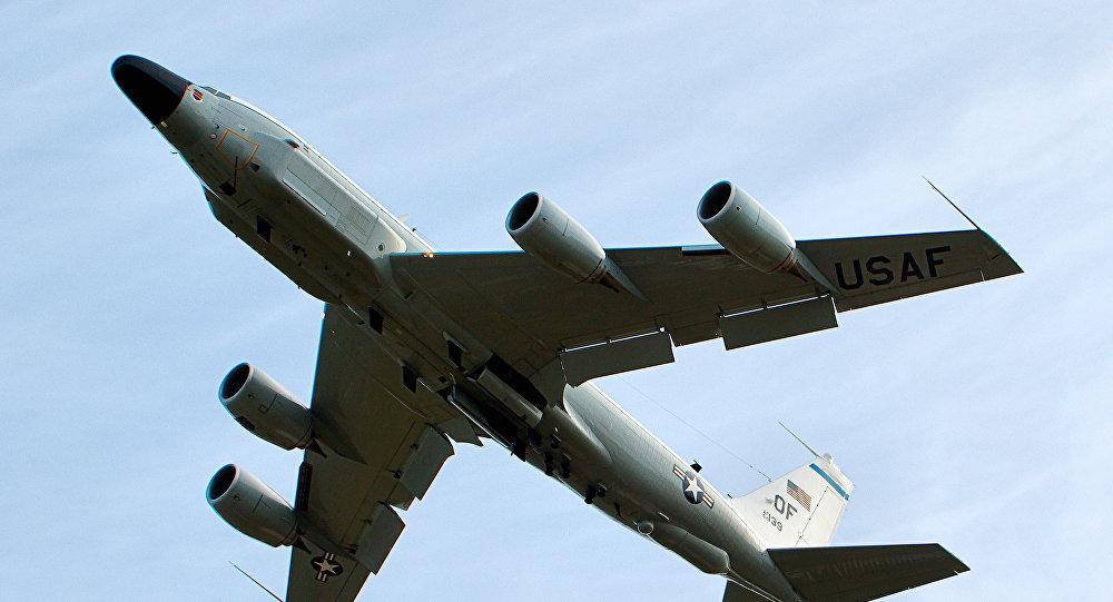 El avión espía estadounidense RC-135
