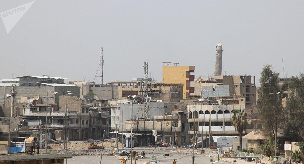 La torre de la Gran Mezquita Al Nuri, Mosul Irak